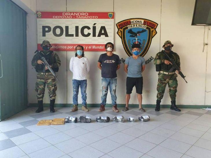Yurimaguas: Agentes de la Depotad – Tarapoto decomisaron 13 kilos con 50 gramos de alcaloide de cocaína y detuvieron a tres personas en el puerto Garcilazo