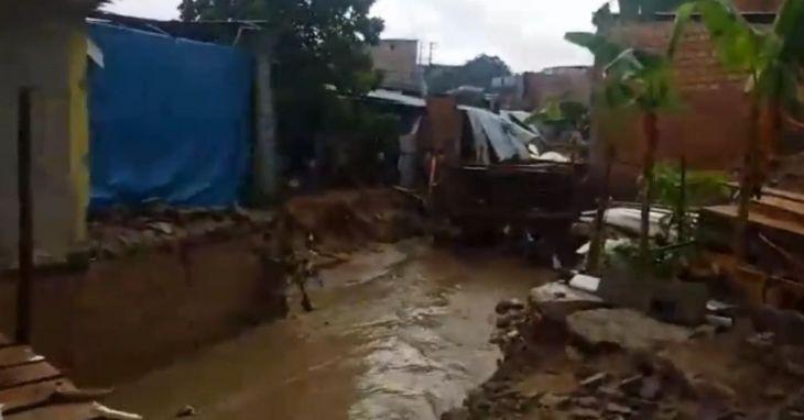 Morales: Varias familias quedaron aisladas por el incremento del caudal de la quebrada Amorarca