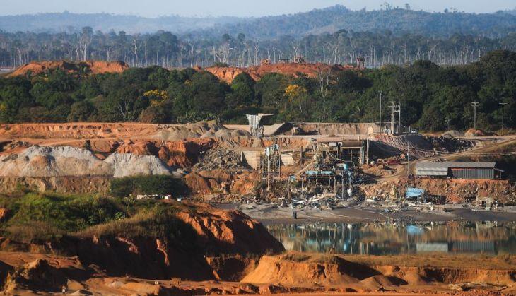 Nuevo estudio revela que minería afecta el 20% de los territorios indígenas de la Amazonía
