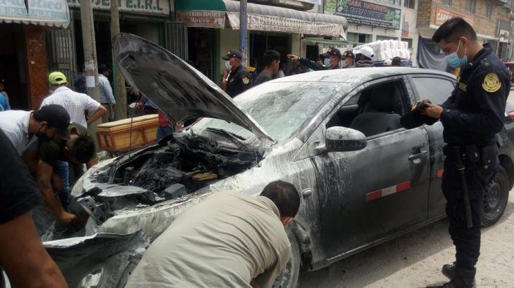 Nueva Cajamarca: Vehículo se incendió en plena vía pública