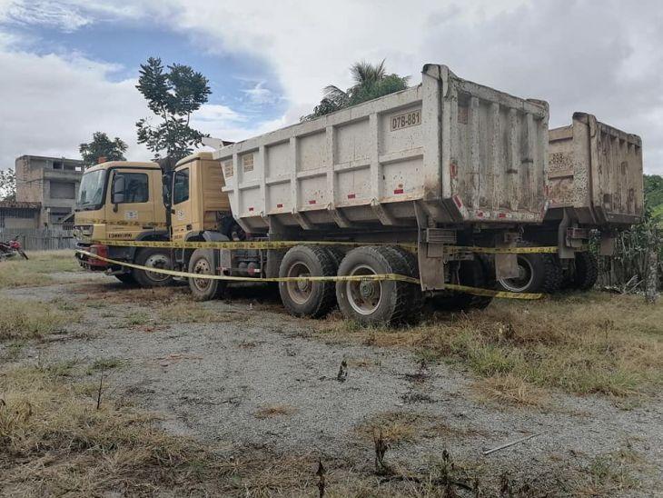 Obrainsa: Ronderos mantienen retenidos a tres volquetes y una camioneta