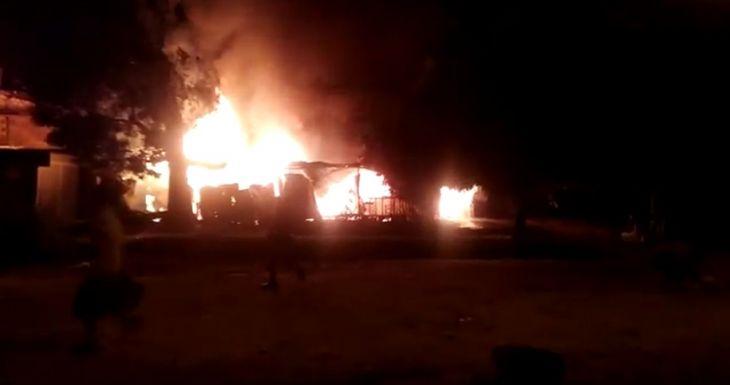 Incendio afecta viviendas y tres familias lo perdieron todo en el distrito de La Banda de Shilcayo