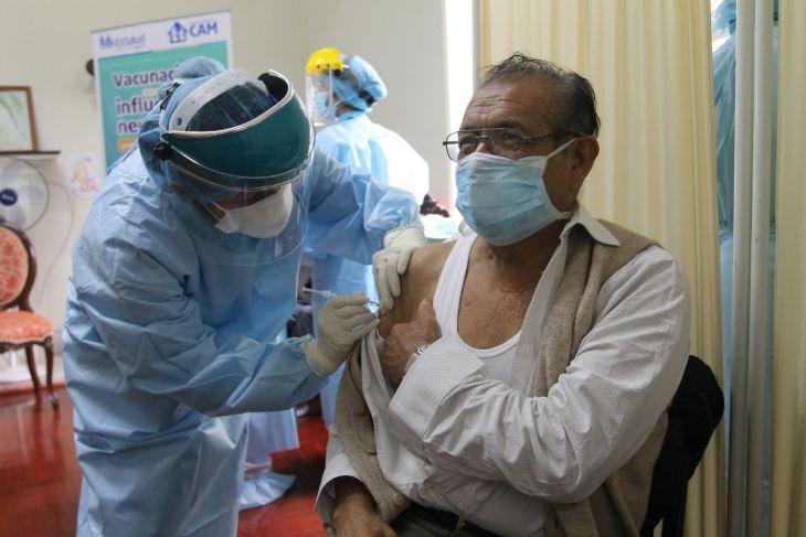 Minsa: El lunes 8 de marzo se inicia vacunación contra covid-19 para adultos mayores