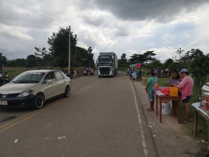 Dirigentes agrarios de Alto Amazonas aceptan mesa de diálogo con autoridades y desbloquearon ayer la carretera Yurimaguas – Tarapoto
