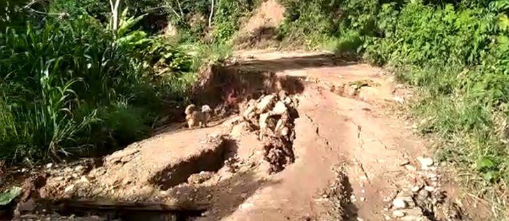 Caserío cerca del poblado de Alto Andino, se hunde a causa de una falla geológica desde hace varios días