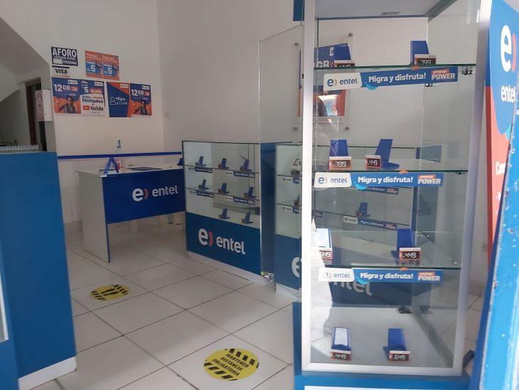 Moyobamba: Delincuentes saquearon casi por completo una tienda dedicada a la venta de equipos celulares