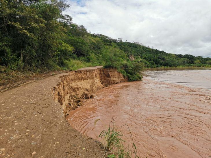 Carretera entre el distrito de Bajo Biavo – Nuevo Lima y Picota, quedó interrumpida por las fuertes lluvias