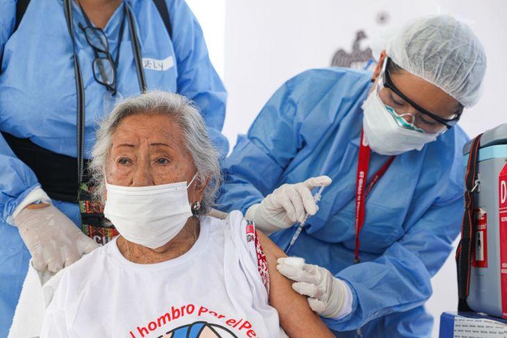 Vacunación para personas mayores de 80 años a más se realizará este jueves, viernes y sábado en 9 provincias de la región San Martín