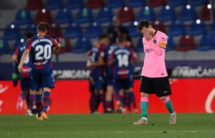 Barcelona empata 3-3 con Levante y parece quedarse sin opciones en LaLiga