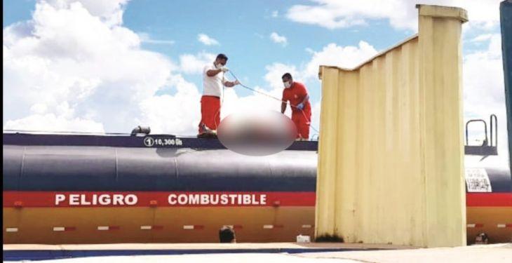 Encuentran cadáver de chofer en el tanque de cisterna de combustible en Rioja