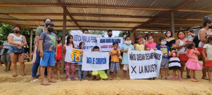 Abuelita clama apoyo para sus dos nietos cuya madre fue recluida en prisión por invasión de terreno en el distrito de La Banda de Shilcayo