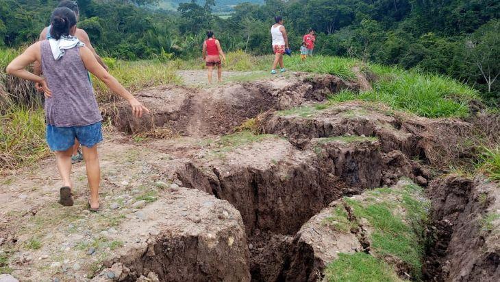 Pucacaca: Por hundimiento de 300 metros de carretera, productores del Valle Oeste no pueden sacar sus productos a los principales mercados
