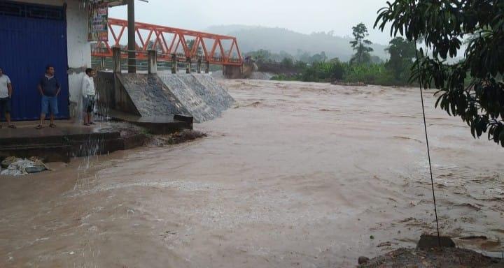 Shamboyacu: Río Ponaza inunda todo un barrio y pone en zozobra a ciudadanos