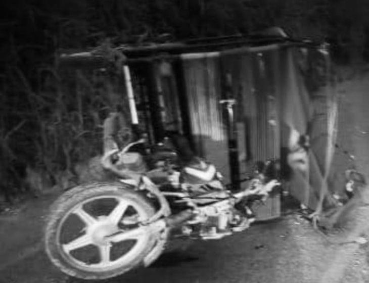 Mototaxista muere instantáneamente al chocar con un tráiler en la carretera Sisa – Agua Blanca