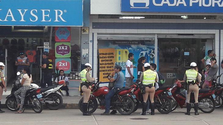 Personal de Tránsito y de la Comisaría de Tarapoto, realizaron operativo para concientizar a conductores de motocicletas sobre la importancia del uso de casco de protección