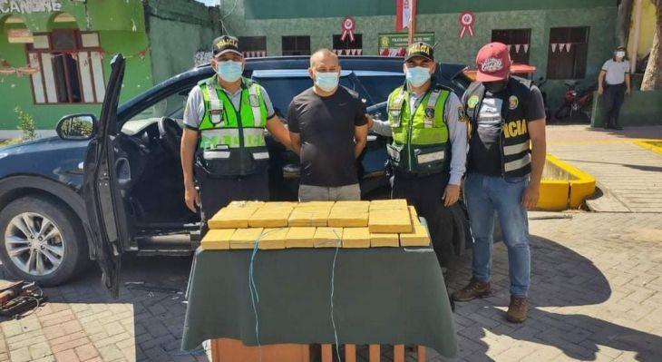 Detenido, vehículo y droga incautada ayer en la zona de Sacanche, fue puesto a disposición del Departamento de Operaciones Tácticas – DEPOTAD Tarapoto