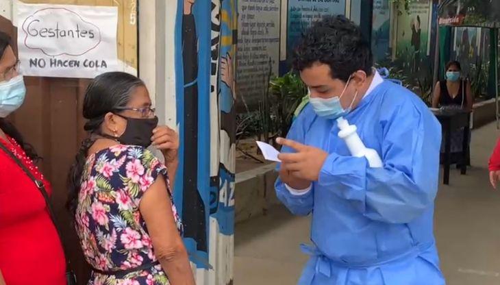 Hoy se inicia vacunación contra la Covid 19, para personas de 58 y 59 años en la Región San Martín
