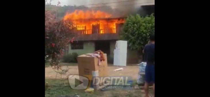Bellavista: Incendio reduce a cenizas segundo piso de vivienda en centro poblado de Almirante Grau