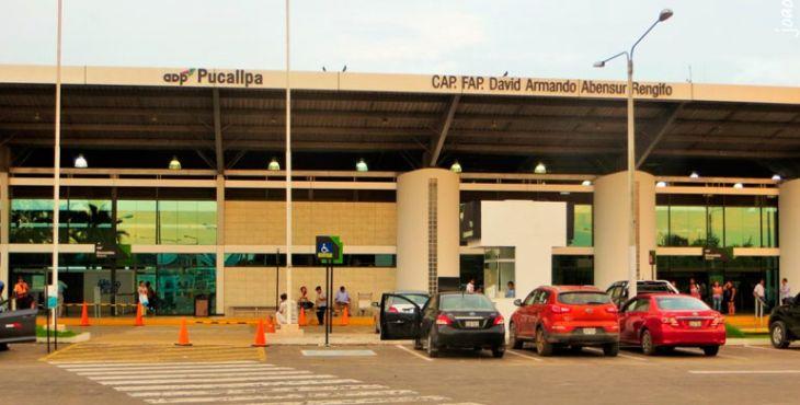 Aeropuerto de Pucallpa reanuda vuelos tras controlarse incendio en envasadora de gas