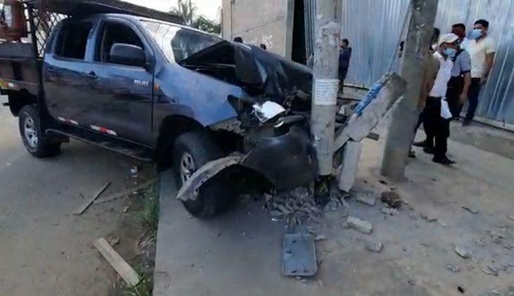 «Llenador» de empresa de transporte causa accidente de tránsito al encender camioneta sin saber conducir