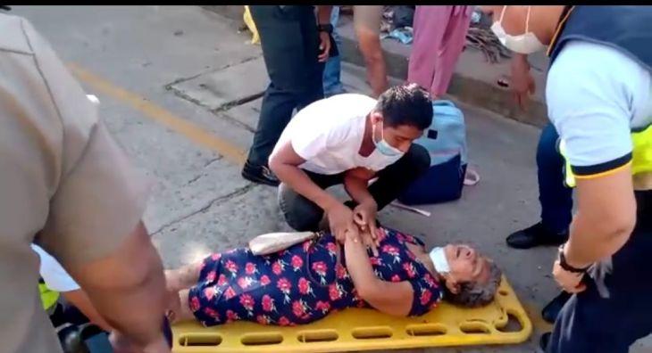 Anciana se accidenta al cruzar caminando la ciclovía en el jirón Ricardo Palma