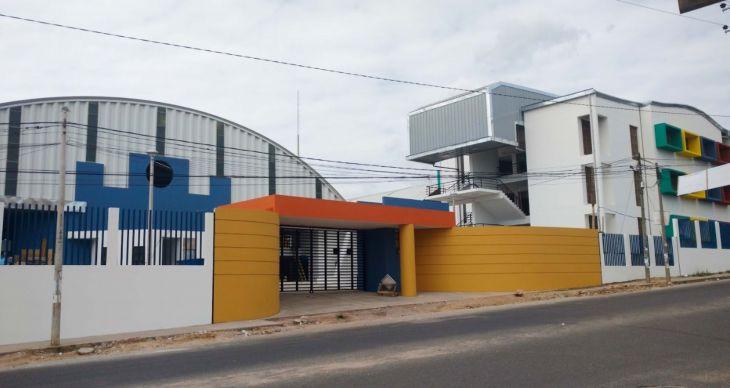 A solo dos años de su instalación Grupo electrógeno de la I.E. Jiménez Pimentel, presenta deterioro y equipo ya no cuenta con garantía