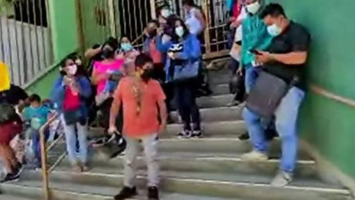 Grupo de personas que estudiaron en la UNSM exigen agilidad en trámites de sus proyectos para sustentación de tesis de egresados que en algunos casos llevan 4 años esperando